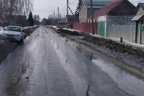 В Тольятти водитель сбил велосипедистку, потерял зеркало и скрылся | CityTraffic