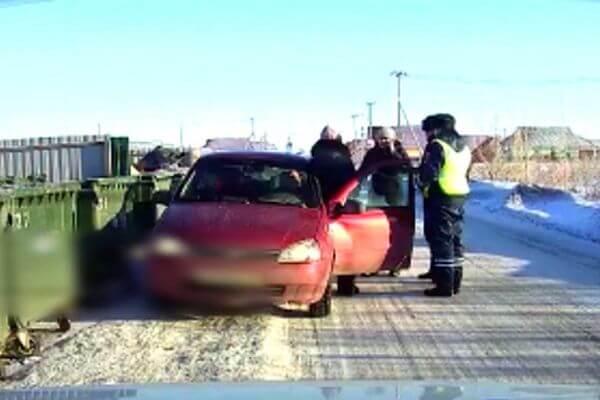 Полицейские спасли водителя от инфаркта в Самарской области | CityTraffic