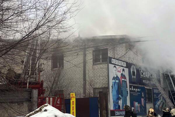 В Самаре дымится кровля двухэтажного здания на Товарной | CityTraffic