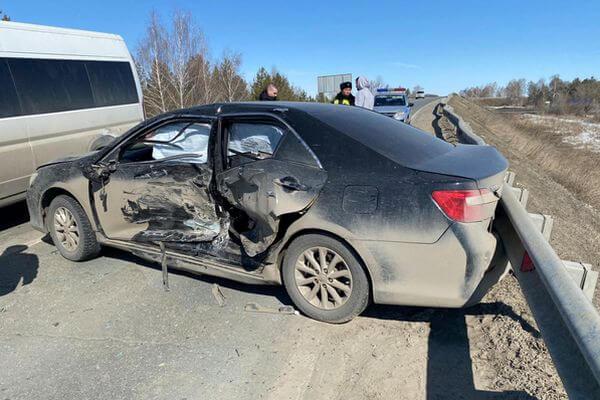 Четыре человека пострадали в автомобильной аварии возле Курумоча | CityTraffic