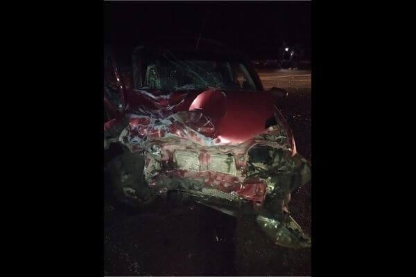 Два человека пострадали в столкновении легковушки и малотоннажного грузовика в Самарской области | CityTraffic