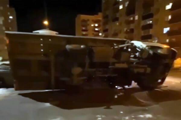 В Самарской области опрокинулся эвакуатор, забиравший автомобиль | CityTraffic