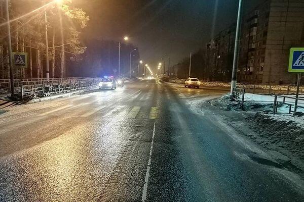 Автолюбительница из Сызрани врезалась в пешеходное ограждение   CityTraffic