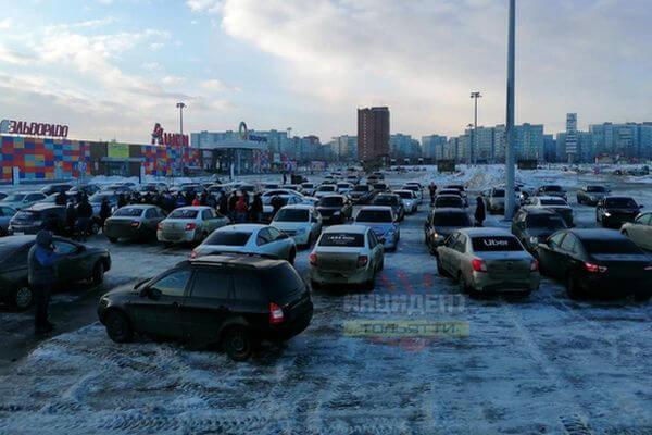 Таксисты Тольятти устроили забастовку | CityTraffic