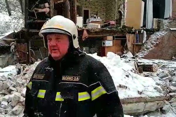 Спасатели говорят об угрозе обрушения остатка стены жилого дома в Самаре | CityTraffic