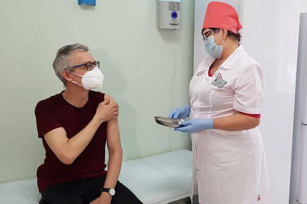 В Самарской области завершил вакцинацию 100-тысячный житель | CityTraffic