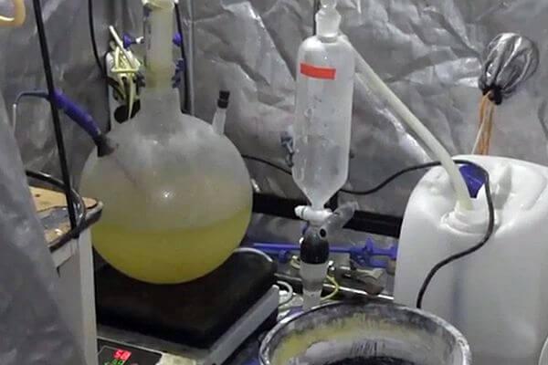 В частном доме Тольятти накрыли нарколабораторию с 6,5 кг мефедрона | CityTraffic
