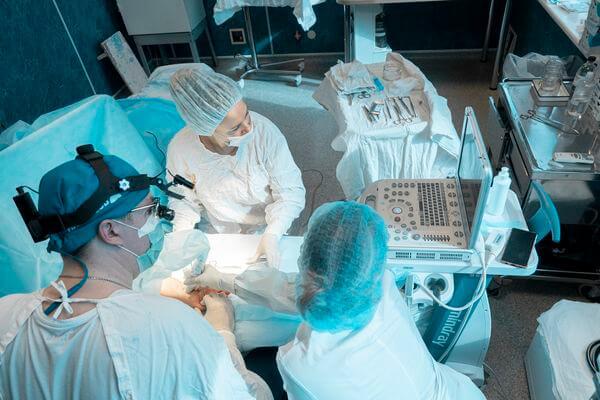 Самарские врачи впервые провели операцию при синдроме запястного канала без разреза   CityTraffic