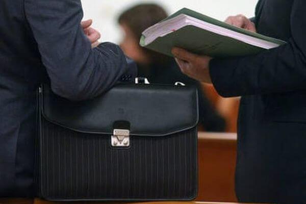 Обязан ли бывший госслужащий уведомлять о том, что стал руководителем коммерческой фирмы | CityTraffic