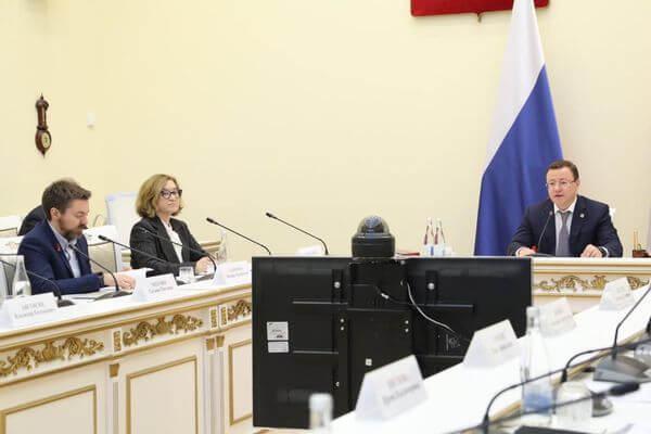 Первое заседание попечительского совета филиала Третьяковской галереи прошло вСамаре под председательством Дмитрия Азарова