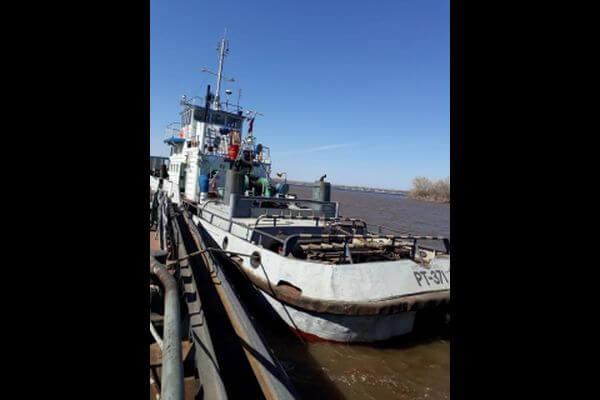 Два судна столкнулись в протоке Волги в Самаре | CityTraffic