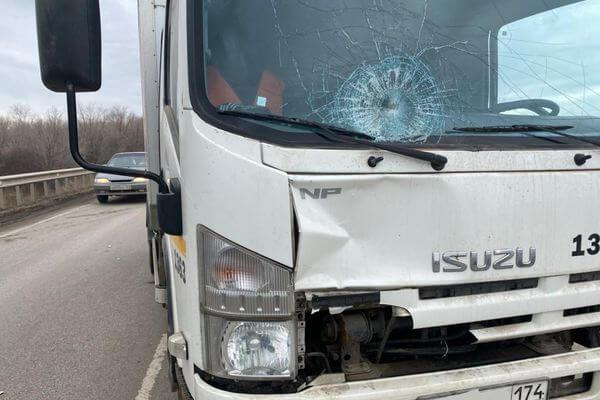 В Самаре автобус сбил молодого нарушителя | CityTraffic