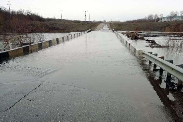 В Самарской области подтопило третий мост | CityTraffic