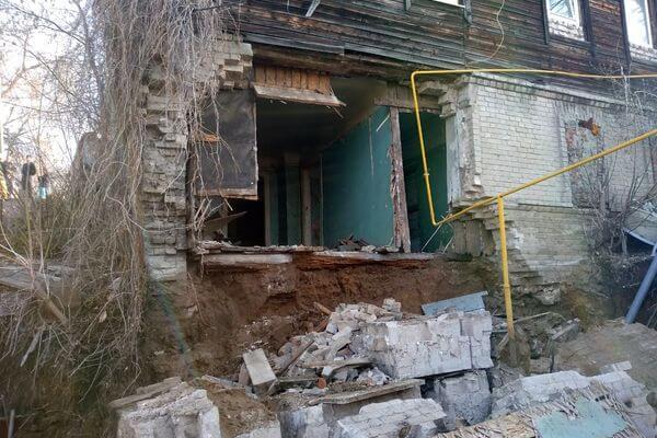 В мэрии Самары заявили, что дом на улице Садовой, где обрушилась стена, не аварийный   CityTraffic