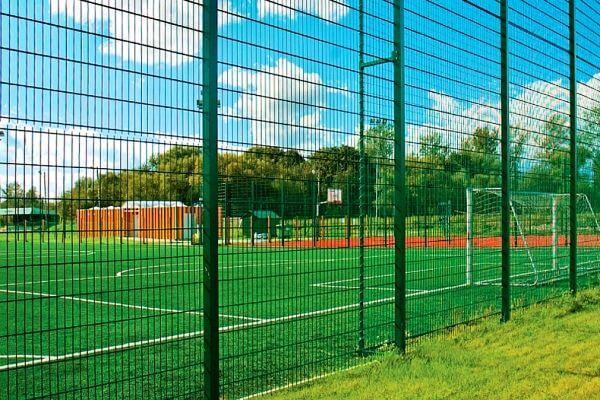 Зэки сделают ограждения для газонов и спортплощадки в Самаре на 1,5 млн рублей | CityTraffic