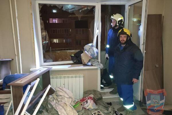 В Самаре ночью взрывом газа выбило окна в квартире, пострадал один человек | CityTraffic