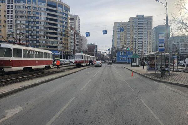 В Самаре женщина на иномарке сбила пешехода | CityTraffic