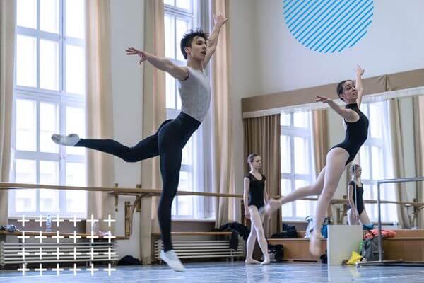 """Ваш выход: Большой театр и """"Ингосстрах"""" провели первый очный отбор врамках Молодежной балетной программы"""