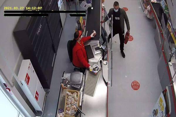 Житель Тольятти украл в магазине бытовую технику | CityTraffic