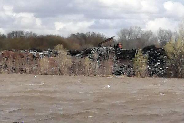 В Самаре призовут к ответственности тех, кто сбросил отходы за дрожжевым заводом | CityTraffic