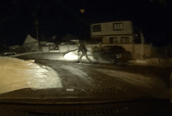 В селе Приволжье пьяный водитель пытался сбежать от сотрудников ГИБДД: видео | CityTraffic