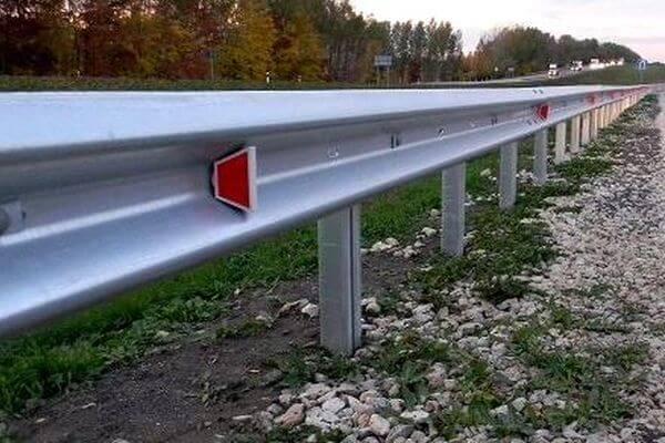 В Самарской области на двух дорогах установят барьерные ограждения | CityTraffic