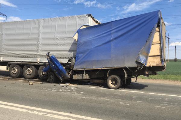 На Обводной дороге Самары в ДТП погиб водитель «ГАЗели» | CityTraffic