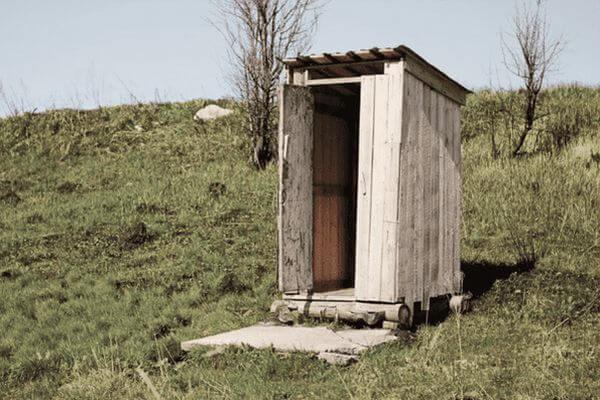 В Самаре жители более 3тысяч домов пользуются туалетами на улице и выгребными ямами вместо канализации