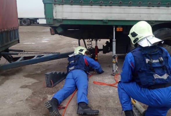 В Самарской области при ремонте автомобиля погиб водитель грузовика | CityTraffic