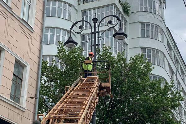 На улице Куйбышева в Самаре установят 72 новых фонаря и спилят 47 аварийных деревьев | CityTraffic