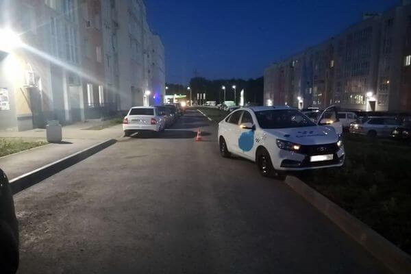В Кошелев Парке таксист сбил 3-летнюю девочку | CityTraffic