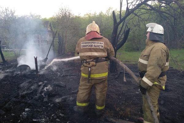 В Самарской области горят 12 дач итрава на площади 2га