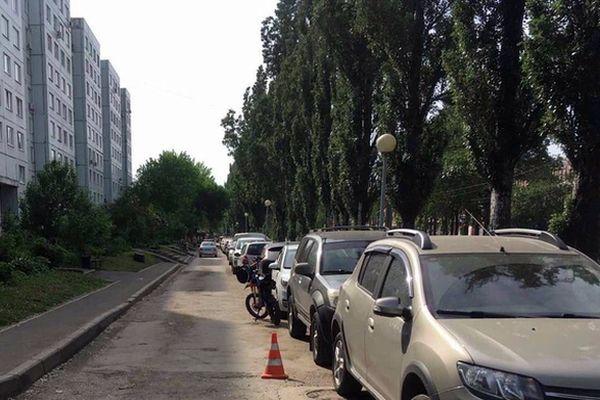 В Тольятти 15-летний мотоциклист сбил 6-летнего пешехода   CityTraffic