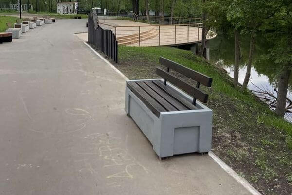 В Ерик-парке в Самаре начали красить беговые дорожки | CityTraffic