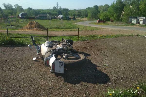 В Сколково Самарской области мотоциклист вылетел в кювет и попал в больницу | CityTraffic