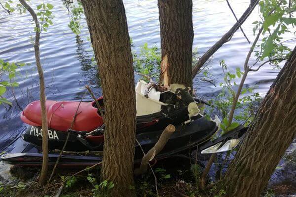 Спасатели нашли тело второй женщины, погибшей в столкновении гидроцикла с деревом в Самарской области | CityTraffic