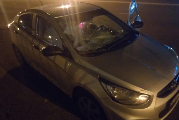 Житель Тольятти переходил дорогу там, где нет пешеходного перехода, и попал под машину | CityTraffic