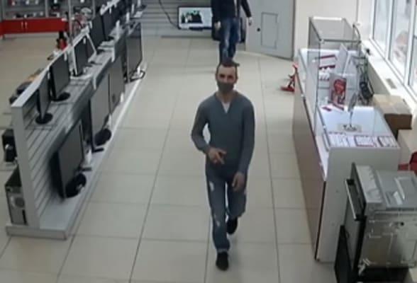 В Тольятти разыскивают мужчину, который воспользовался чужой банковской картой | CityTraffic