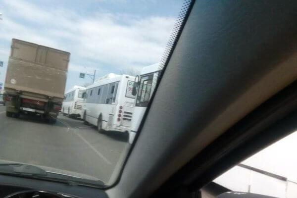 Жителям Самары рассказали, почему отстойник автобусов №67 организован  на узкой проезжей части | CityTraffic