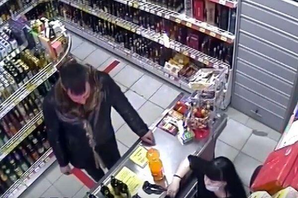 Житель Самарской области прихватил у собутыльника карту и отправился дальше выпивать без него | CityTraffic