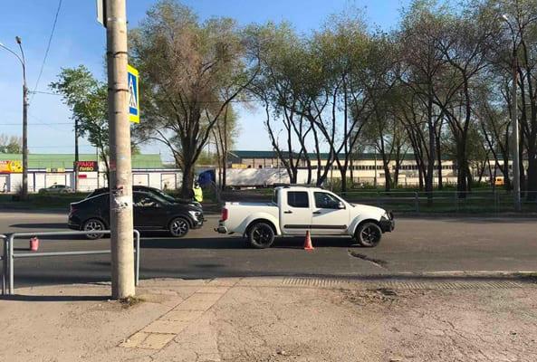 В Самаре велосипедист выехал на пешеходный переход и попал под машину | CityTraffic