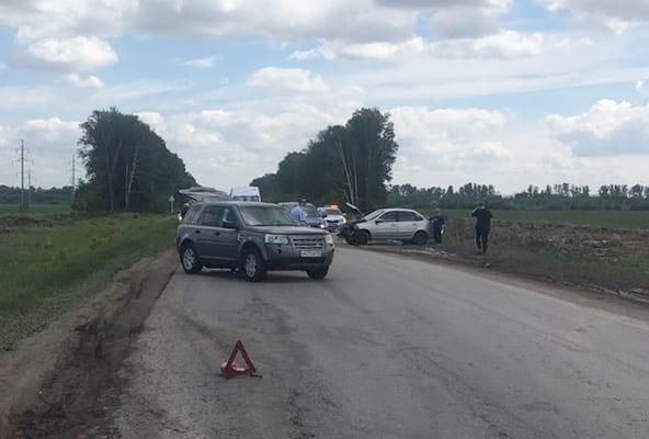 На автодороге «Тольятти-Хрящевка» «Лада» выехала на встречную полосу и врезалась в две иномарки | CityTraffic