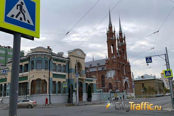 Россияне требуют ввести полный запрет на снос исторических зданий