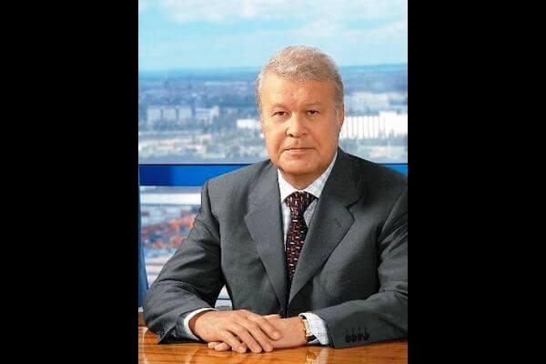 Дмитрий Азаров выразил соболезнования в связи с кончиной экс-главы АВТОВАЗа Владимира Каданникова | CityTraffic