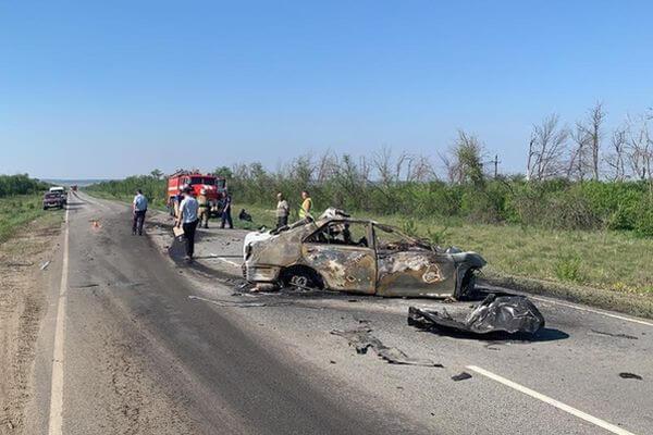 Три человека погибли в столкновении легковушки с грузовиком в Самарской области   CityTraffic
