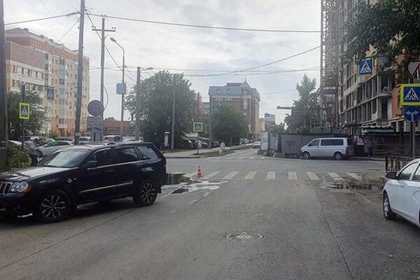 В Самаре джип сбил 3-летнюю девочку на самокате | CityTraffic