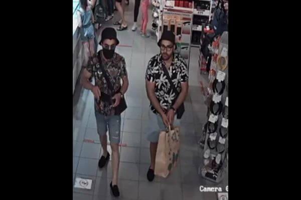 Двое мужчин вчерных панамах украли вмагазине Тольятти 3пары обуви