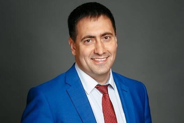 В Самаре одним из победителей праймериз «Единой России» стал многодетный отец Константин Доладов   CityTraffic