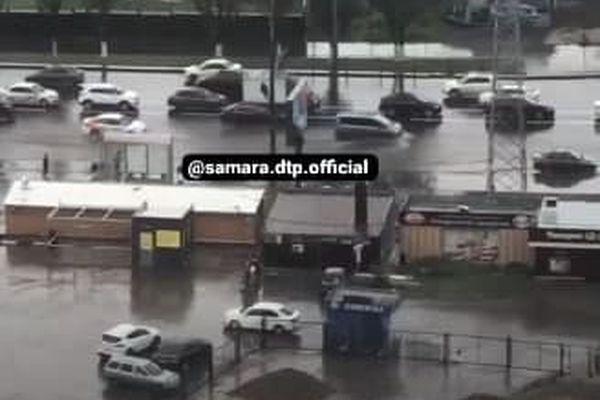 В Самаре затопило Московское шоссе
