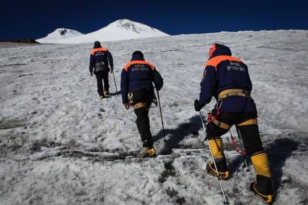 Альпинист из Самары провалился в расщелину на Эльбрусе и погиб | CityTraffic